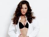 Minka Kelly Named Sexiest Woman Alive