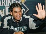 Felix Hernandez wins AL Cy Young Award