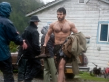 Henry Cavill Looks Ripped on Man Of Steel Set