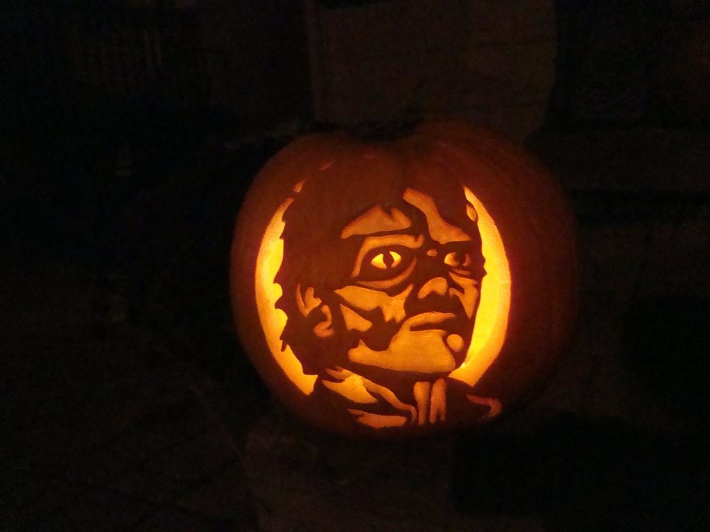 Michael Jackson Thriller zombie pumpkin