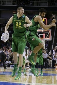BUNCH OF QUACKS: Oregon reminded the selection committee just how offensive a #12 seed was to them with a shellacking of Oklahoma State. Photo courtesy Jeff Chiu/AP