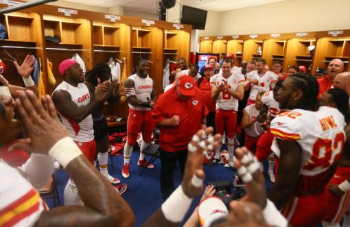 chiefs-celebrate-thmb
