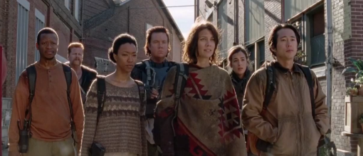 The-Walking-Dead-first-group-arrives-at-Terminus