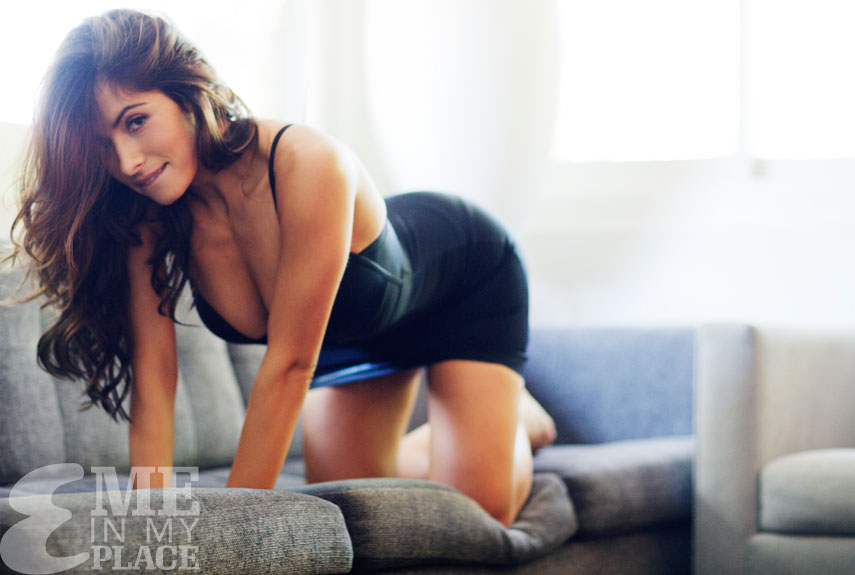 Sarah shahi is the lovely guysnation for Hot family pics